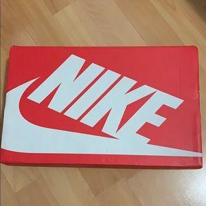 Women's Nike Air Max Axis Se